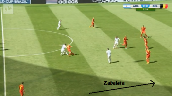 Messi keeps the ball and allows Zabaleta to join the attack.
